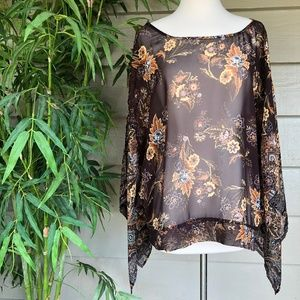 🎉Chenault Brown w/ Rust Floral Design Top